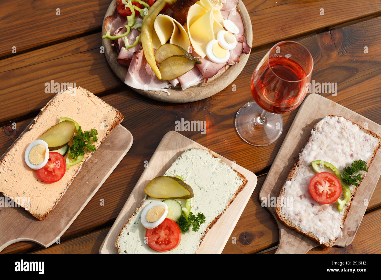 Sandwiches and Brettljause, hearty snack, in Buschenschank, bar, Styria, Austria, Europe - Stock Image