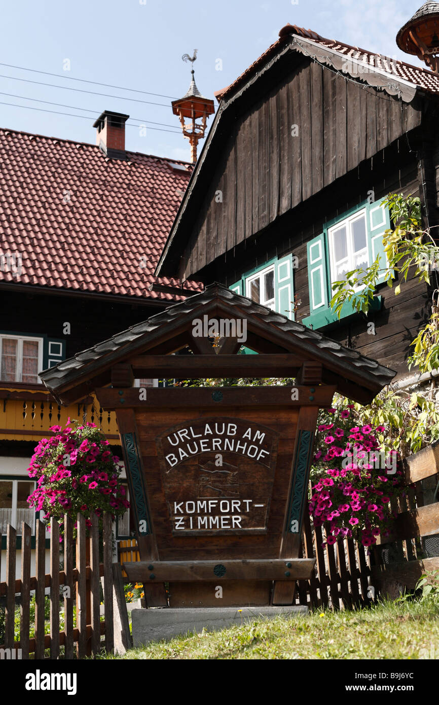 Sign advertising rooms in a farm, Weissenbach, Ramsau, Styria, Austria, Europe - Stock Image