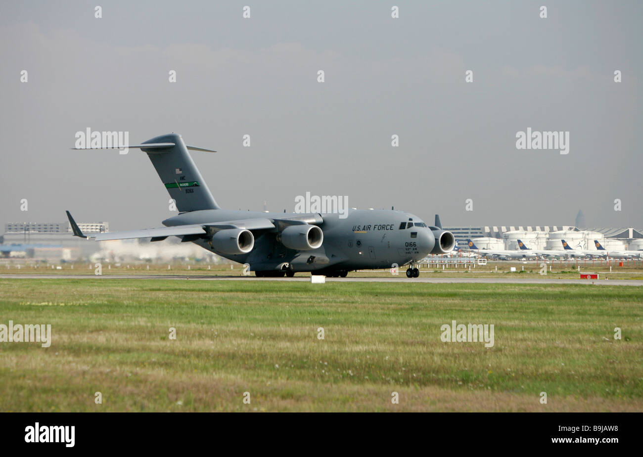 Boeing C-17 Globemaster III, US Air Force, airfreighter taking off at Frankfurt Airport, Hesse, Germany, Europe - Stock Image