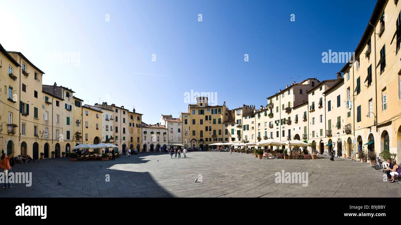 Piazza del Anfiteatro Square, Piazza Mercato Square, Amphitheatre, Lucca, Tuscany, Italy, Europe - Stock Image