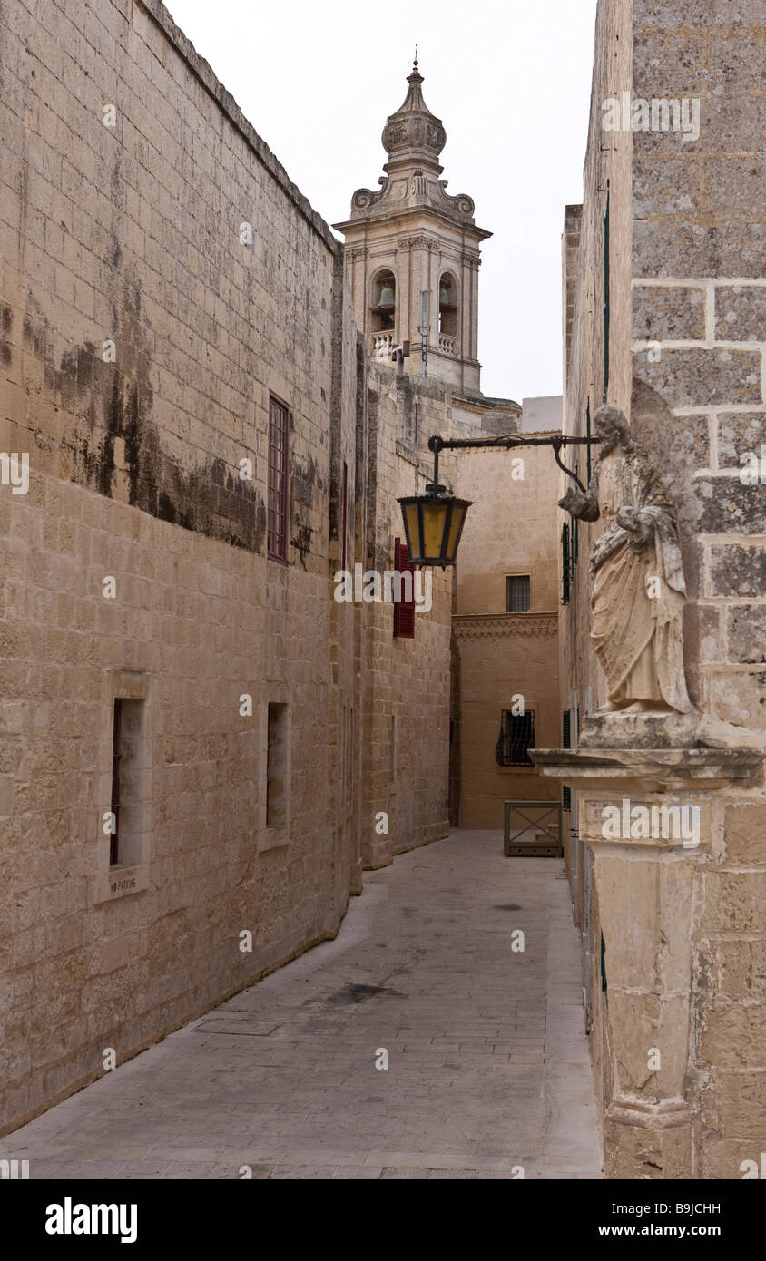 Narrow historic alley, Bastion Street, Mdina, Malta, Europe - Stock Image