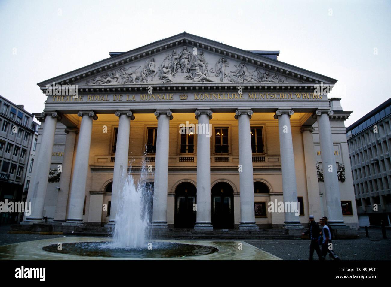Theatre Royale de la Monnaie, Koninklijke Muntschouwburg, neo-classical main facade with columns, Place de la Monnaie, - Stock Image