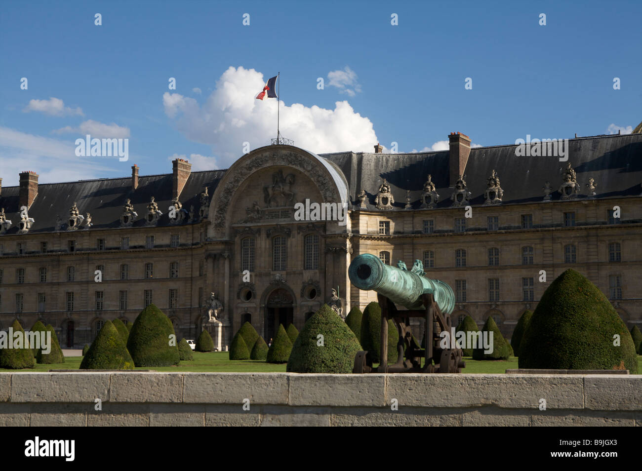 Looking at the Hotel des Invalides in Paris France Saturday July 21 2007 - Stock Image