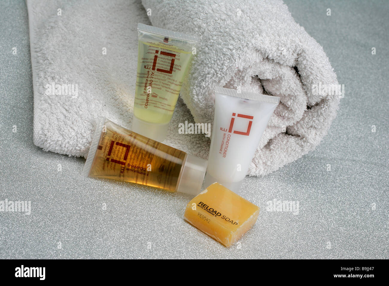 Hotel toiletries shampoo hair body products cosmetic flacon bathing beauty conditioner gel lotion product products - Stock Image