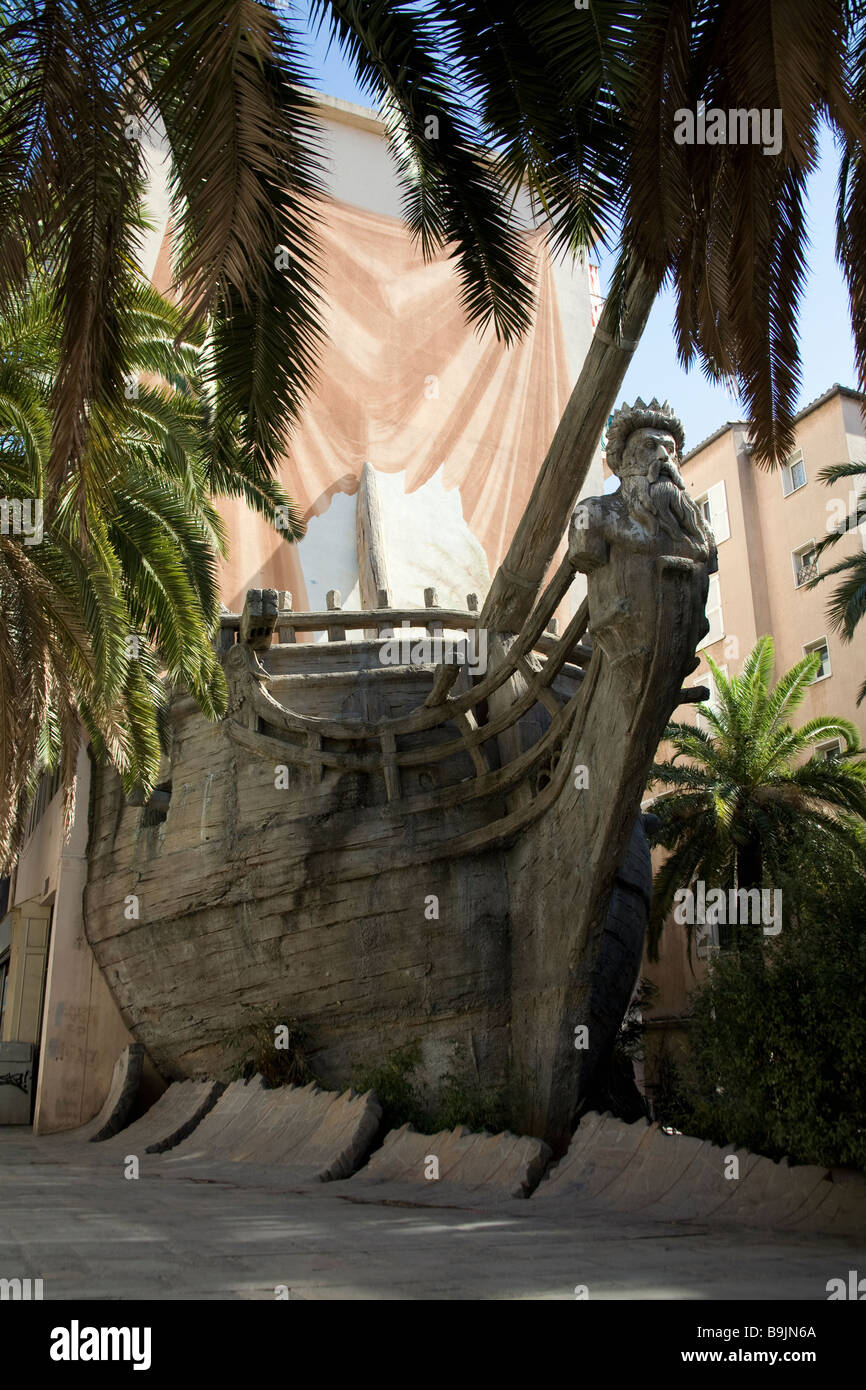 The galleon mural at the Place Vatel, a 3-dimensional mural with the front of an old sailing ship extending to the - Stock Image