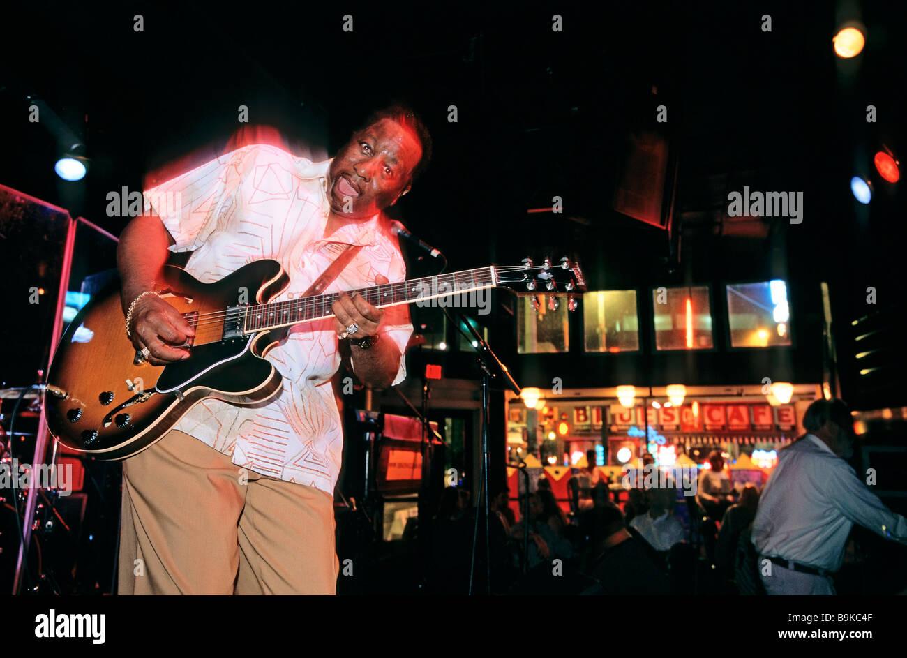 United States, Tennessee, Memphis, Beale Street, B.B. King's Blues club, Bluesman Preston Shannon playing Stock Photo