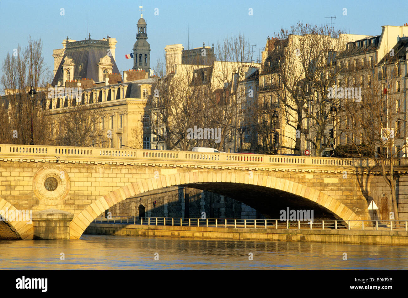 France, Paris, banks of the Seine river classified as World Heritage by UNESCO, Pont Marie linking the ile Saint - Stock Image