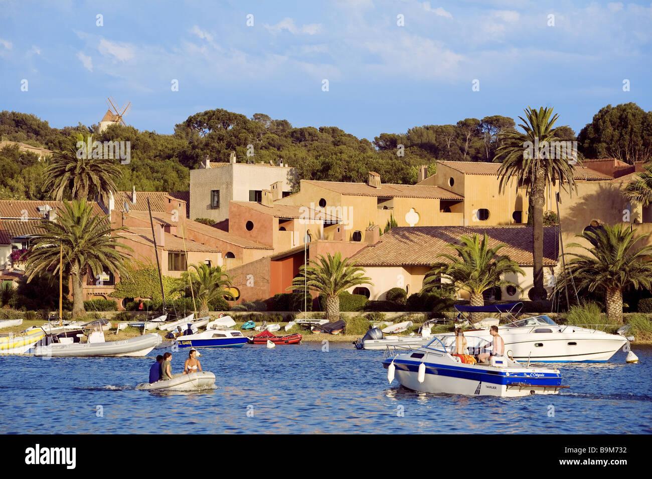 France, Var, Ile de Porquerolles, village Stock Photo - Alamy