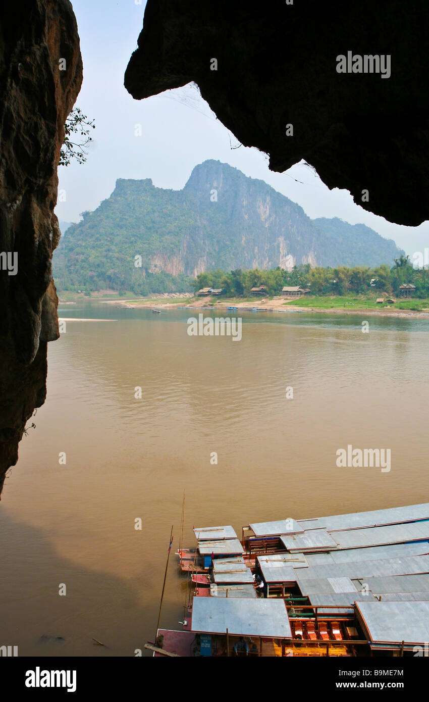 Mekong river and the village of Ban Pak Ou in northern Laos - Stock Image