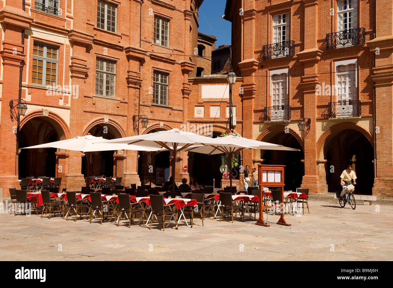 France, Tarn et Garonne, Montauban, National square (place Nationale) - Stock Image