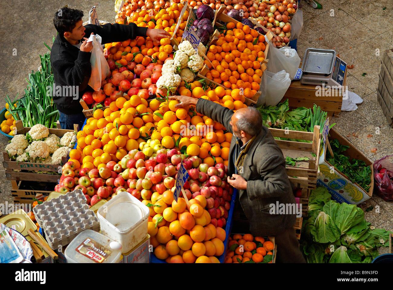 Turkey, Central Anatolia, Konya, vegetables and fruits market Stock Photo