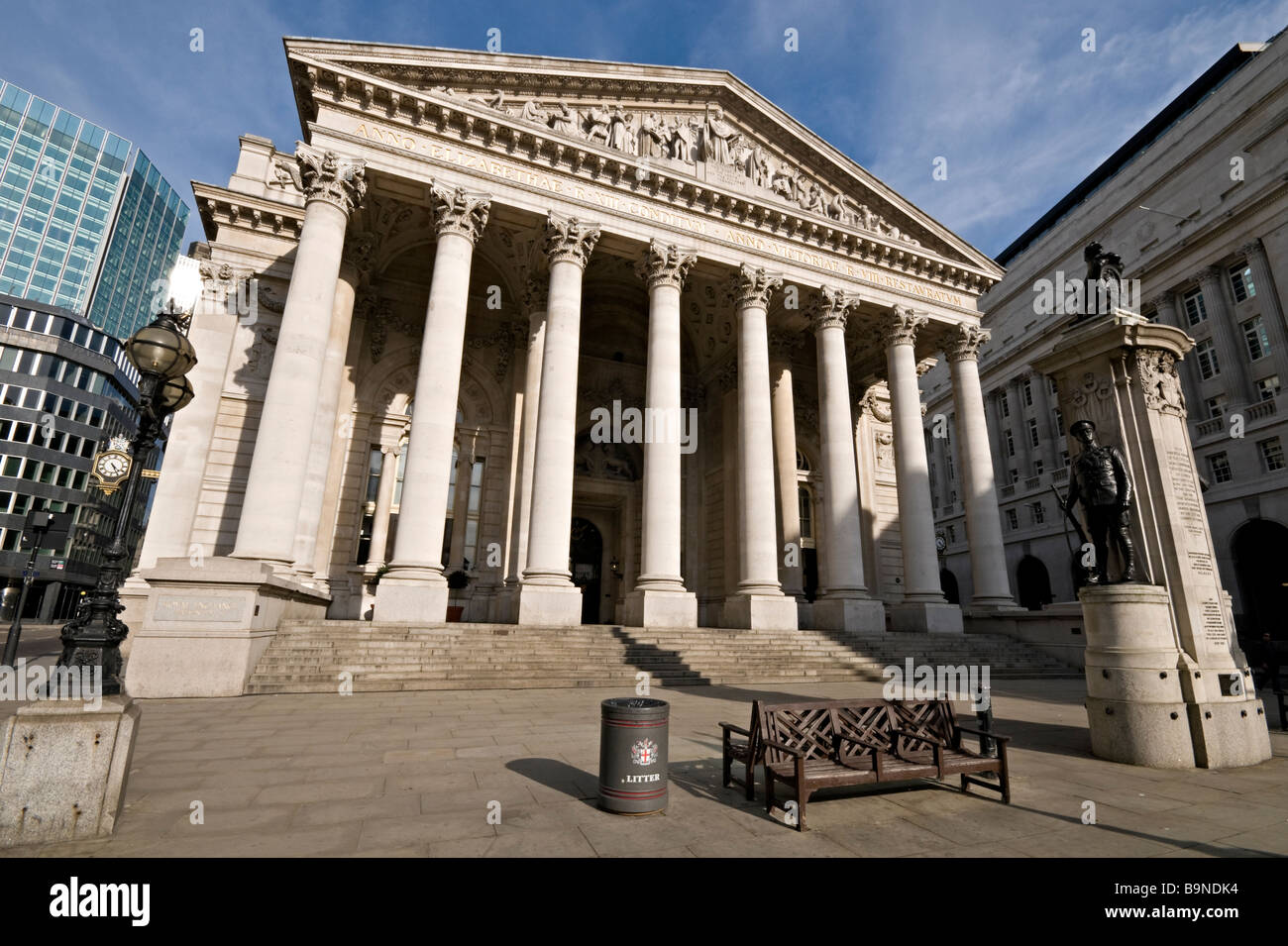 Royal Exchange building opposite the Bank of England - Stock Image