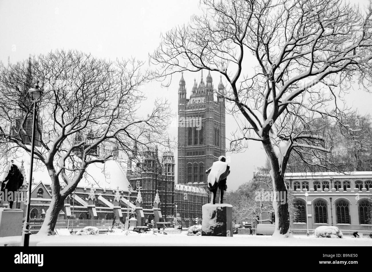Westminster, London blanketed in snow February 2009 - Stock Image