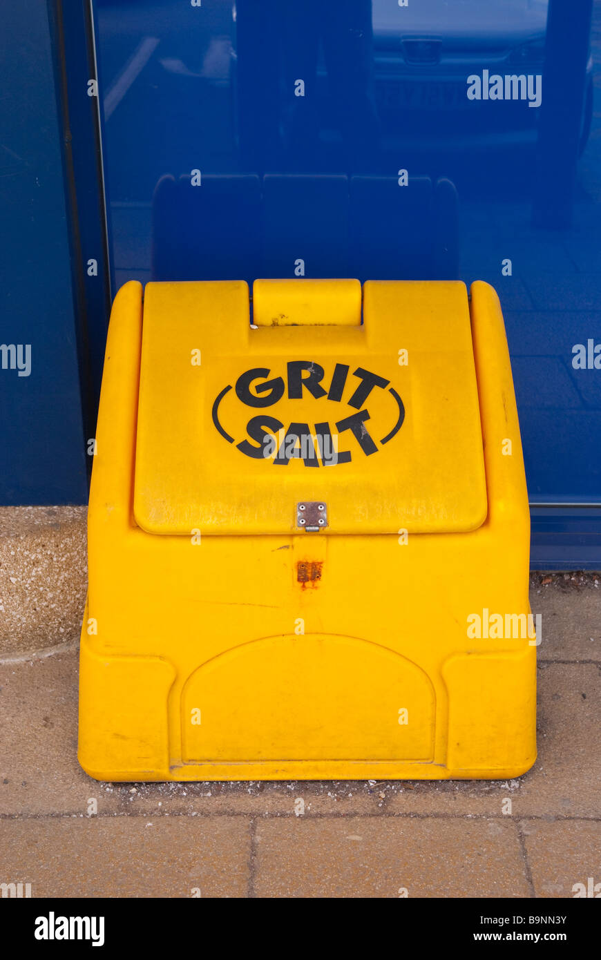 A tub containing grit & salt for the paths when it\'s icy to stop ...