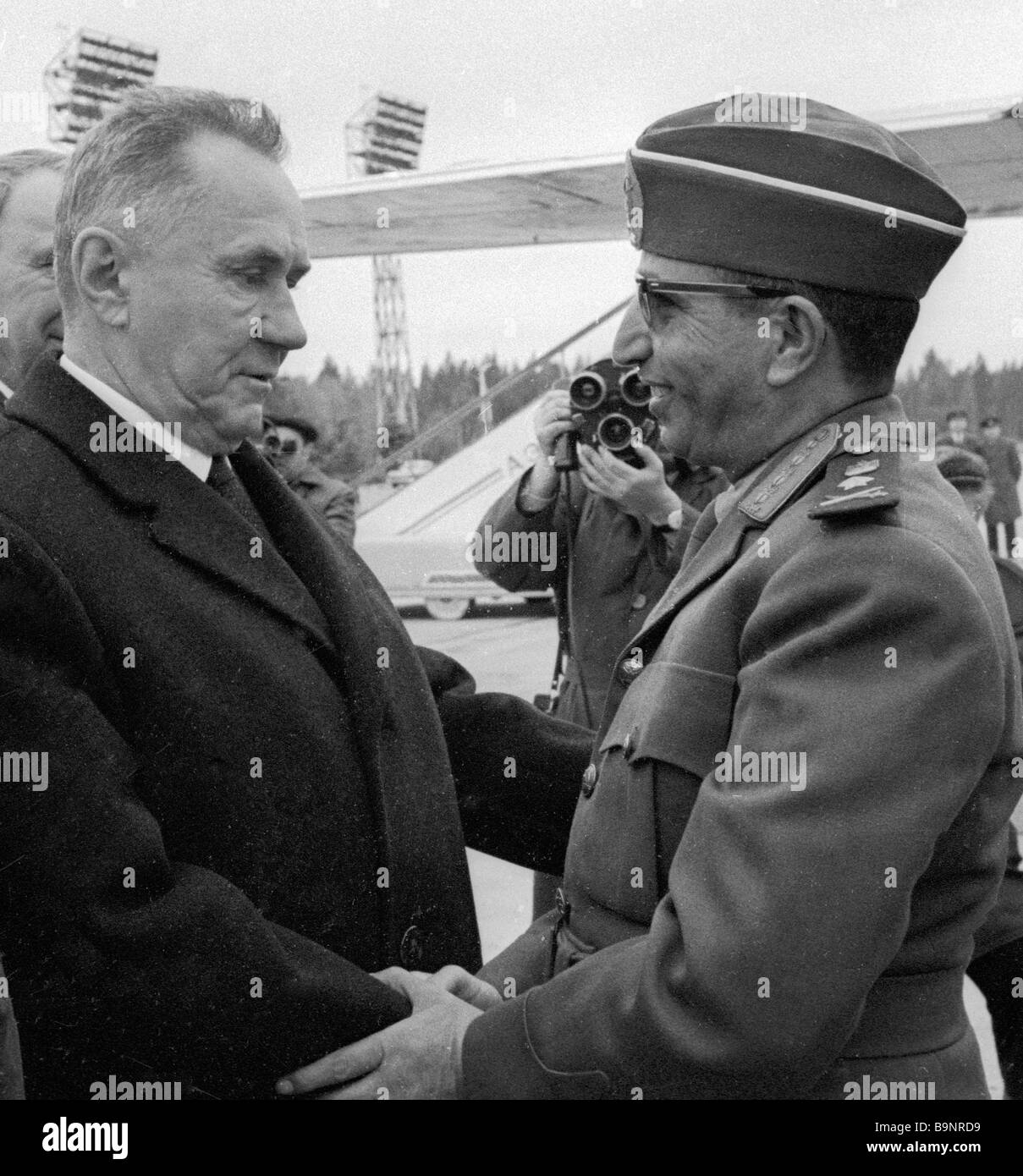 Hassan al Amri Prime Minister of the Yemen Arab Republic arrives on an official visit to the USSR Alexei Kosygin - Stock Image