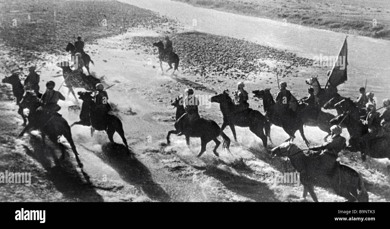 Men of the fledging cavalry division having the field classes - Stock Image