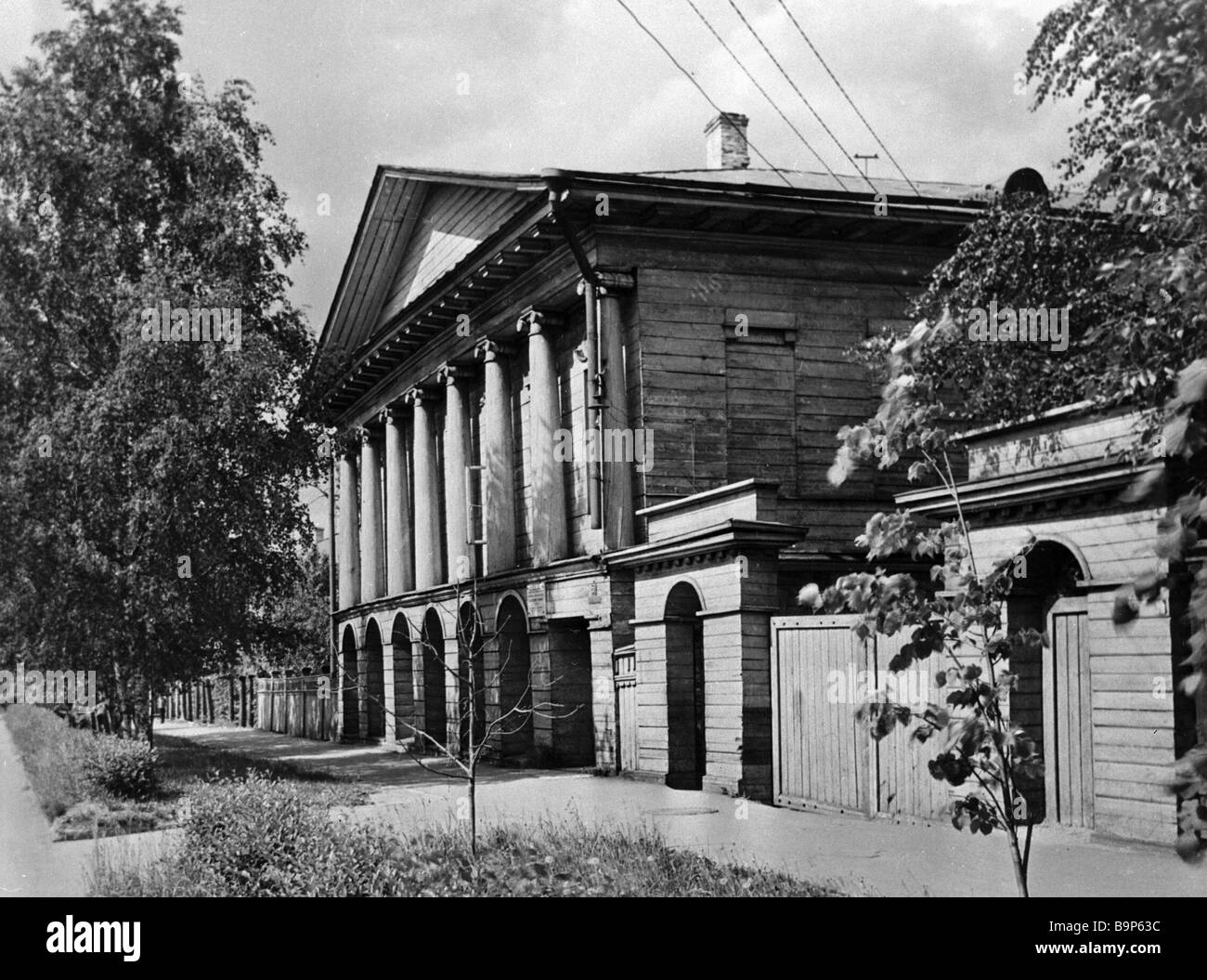 A classicism style wooden house built by Levashov in 1829 - Stock Image