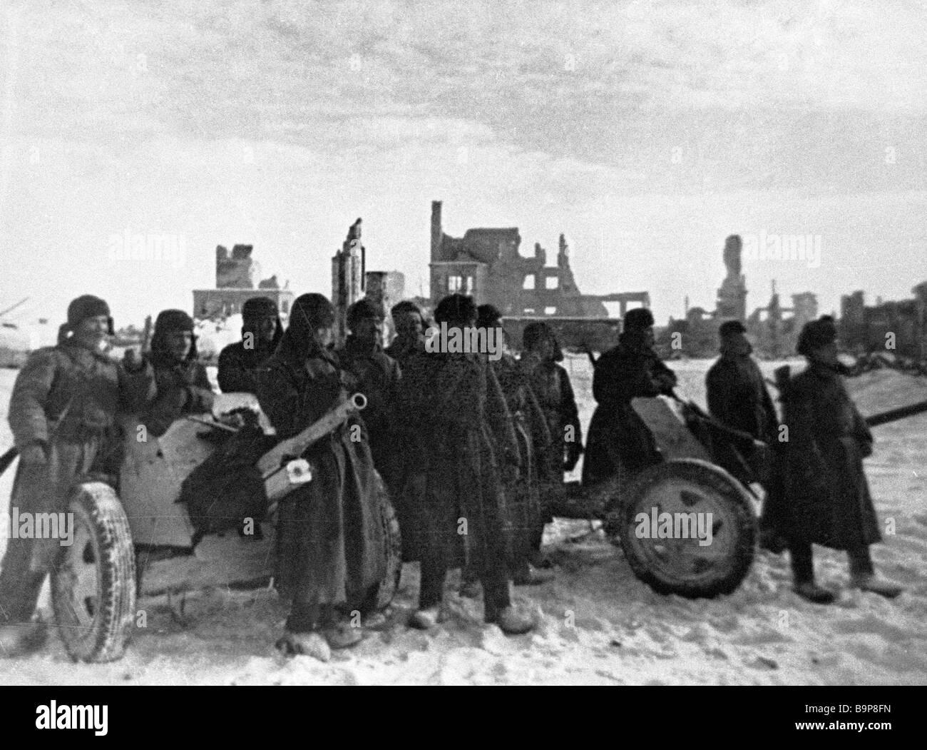 Artillery men in Stalingrad - Stock Image