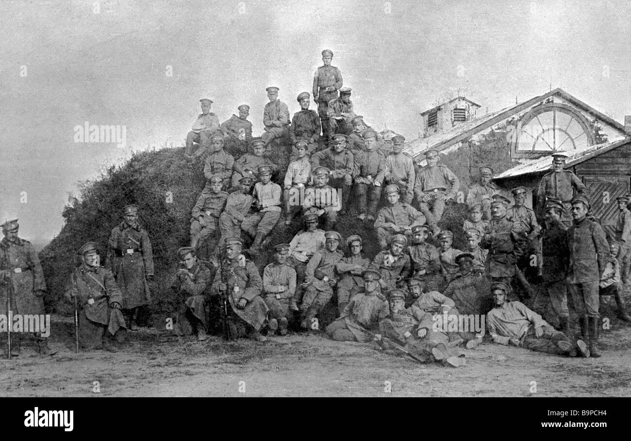 Soldiers gathered for clandestine meeting in Brest Litovsk fortress - Stock Image