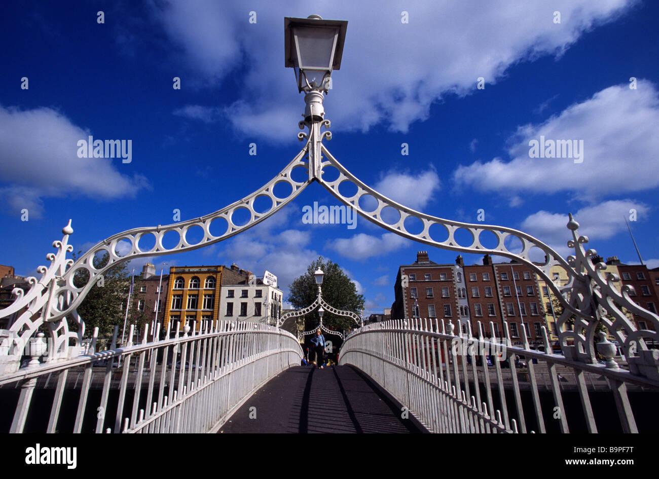 Ireland, Dublin county, Dublin, Ha'penny Bridge (1816) Stock Photo