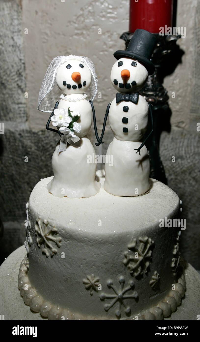 Wedding Cake Toppers Stock Photos & Wedding Cake Toppers Stock ...