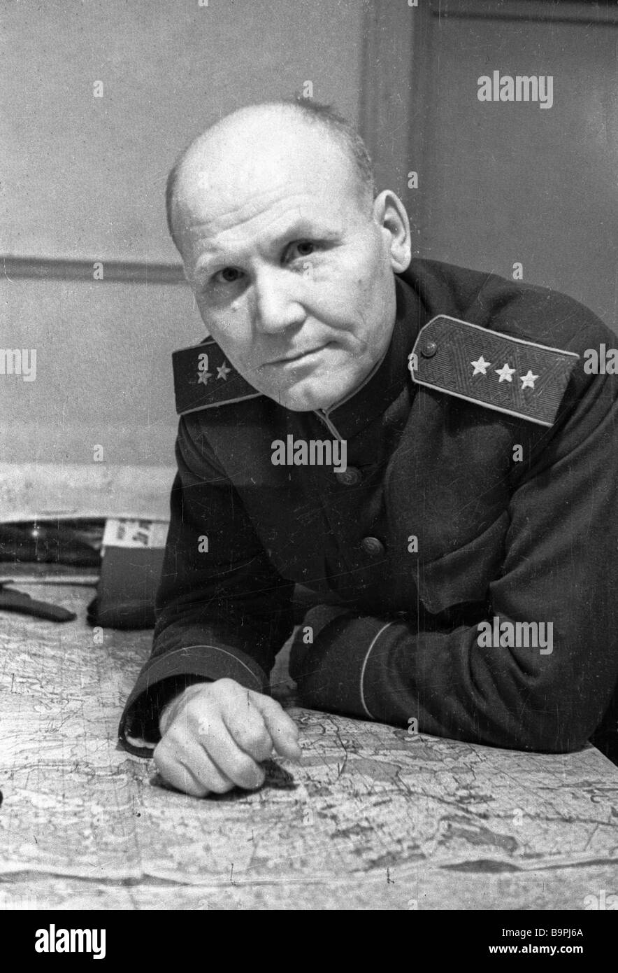 Colonel General I Konev sitting at table - Stock Image