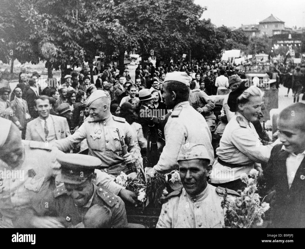 Sofia greets Soviet Army soldiers World War II - Stock Image
