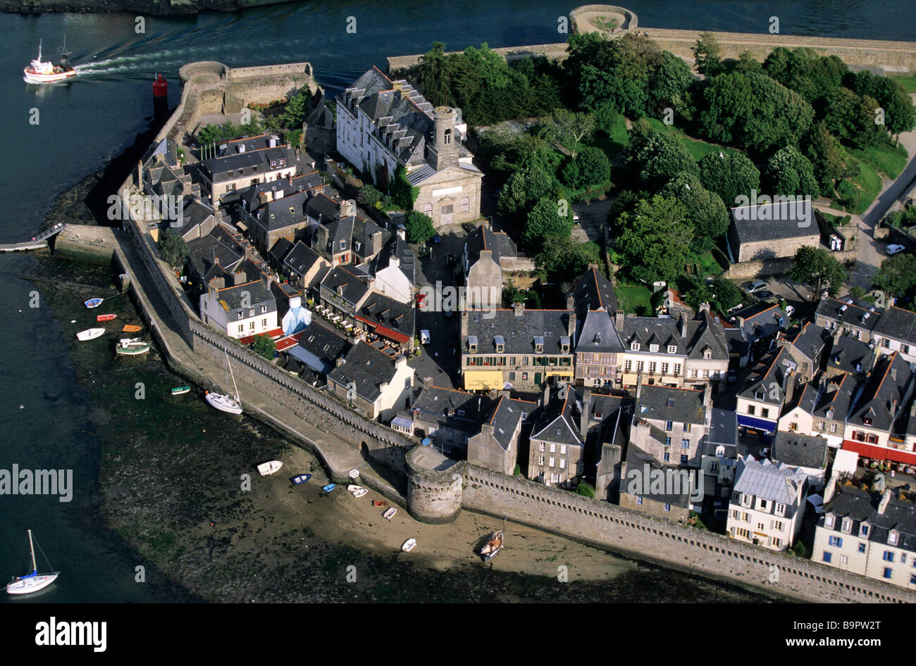 France, Finistere, Concarneau, enclosed city (aerial view) - Stock Image