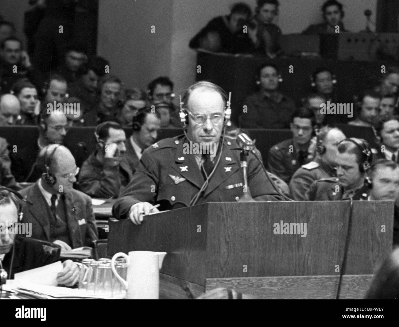 Colonel Story brings in accusation at the evening session of the Nuremberg trial - Stock Image