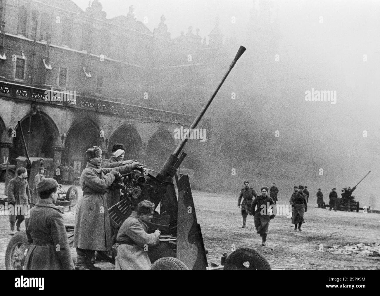 Soviet anti aircraft gunners repulse the Nazi attack on Krakow during the Great Patriotic War - Stock Image
