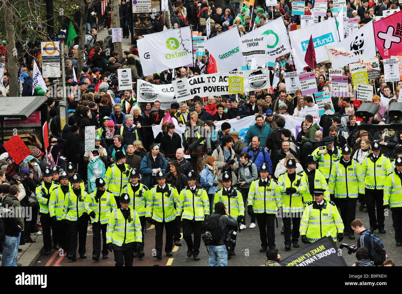 'Put People First' demonstration ahead of the G20 meeting in London, 2009 - Stock Image