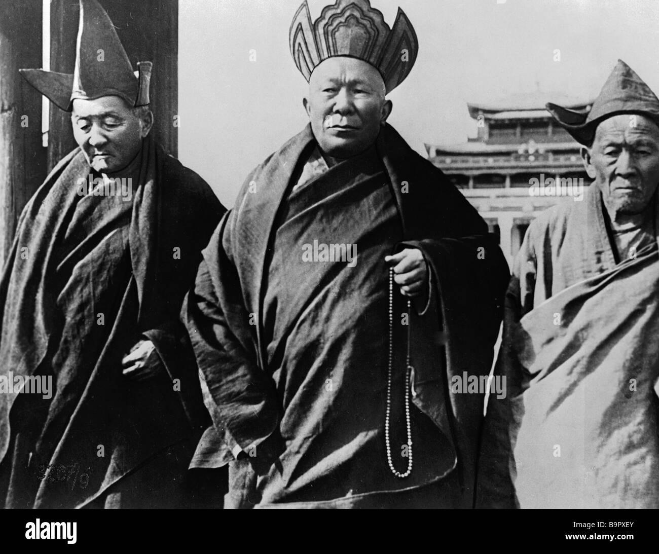 F Ivanov as Lama center in film The Descendant of Ghenghiz Khan by Vsevolod Pudovkin - Stock Image