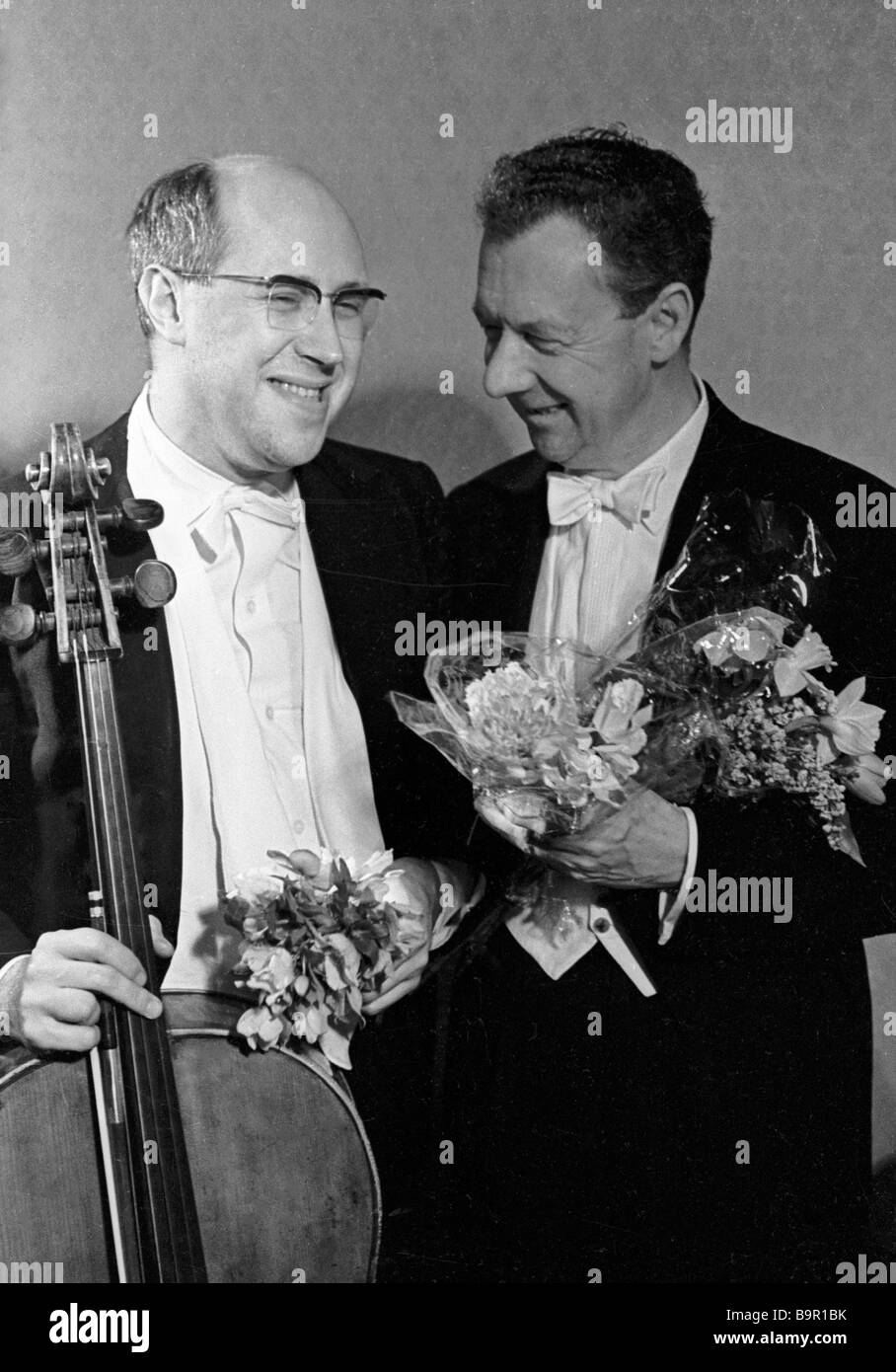 Mstislav Rostropovich and Benjamin Britten after a concert in the Big Hall of the Moscow Conservatory - Stock Image