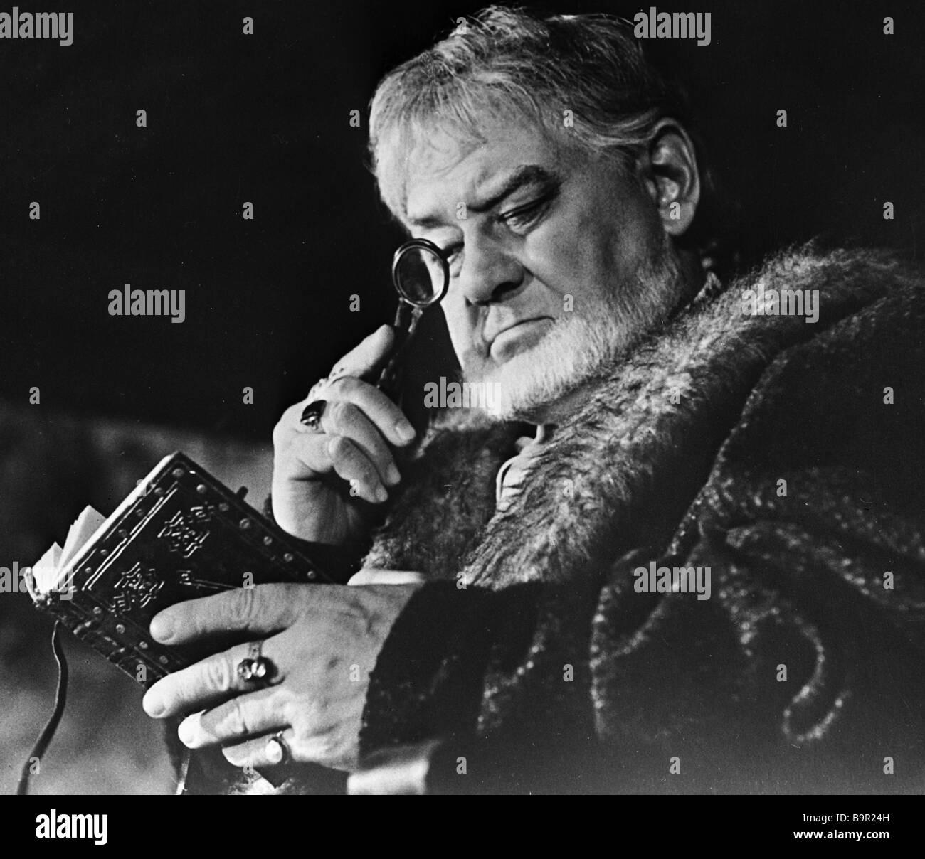 Artist Yuri Tolubeyev as Polony at the shooting of Hamlet - Stock Image