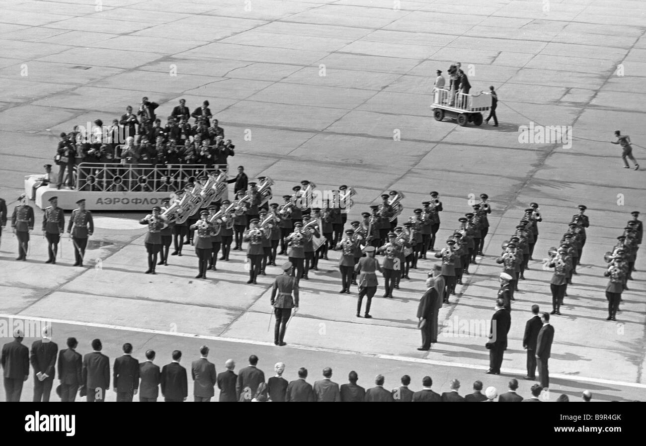 French President Charles De Gaulle inspects guard of honor at Vnukovo airport during his Soviet visit Stock Photo