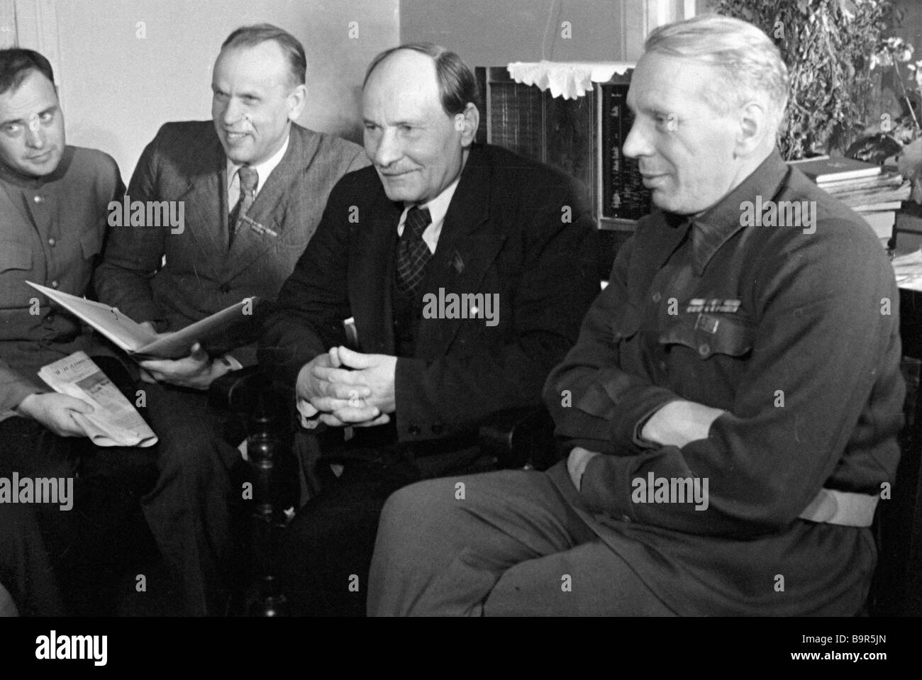 Belarussian writers from the right to the left Mikhas Linkov Yakub Kolas Kondrat Krapiva and Pavel Kovalev - Stock Image