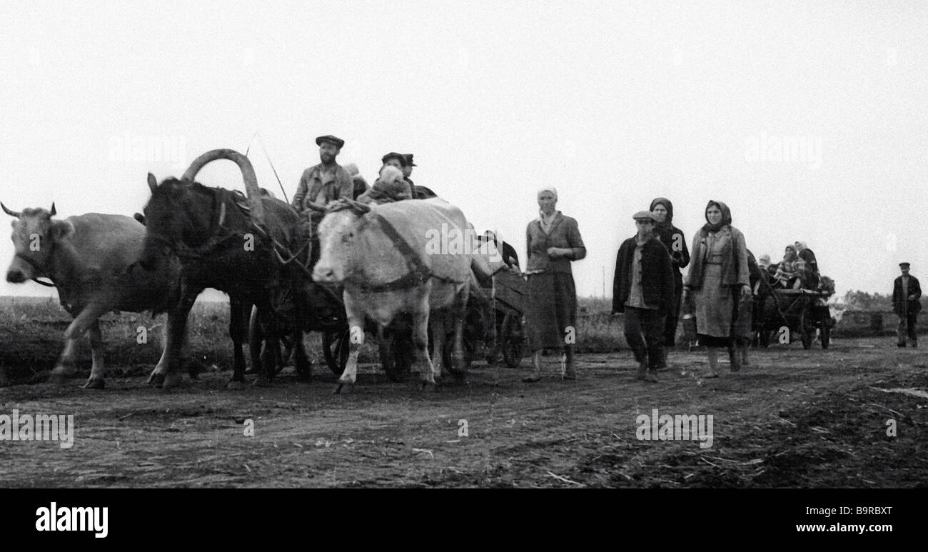 Refugees leaving the territories occupied by Nazis - Stock Image