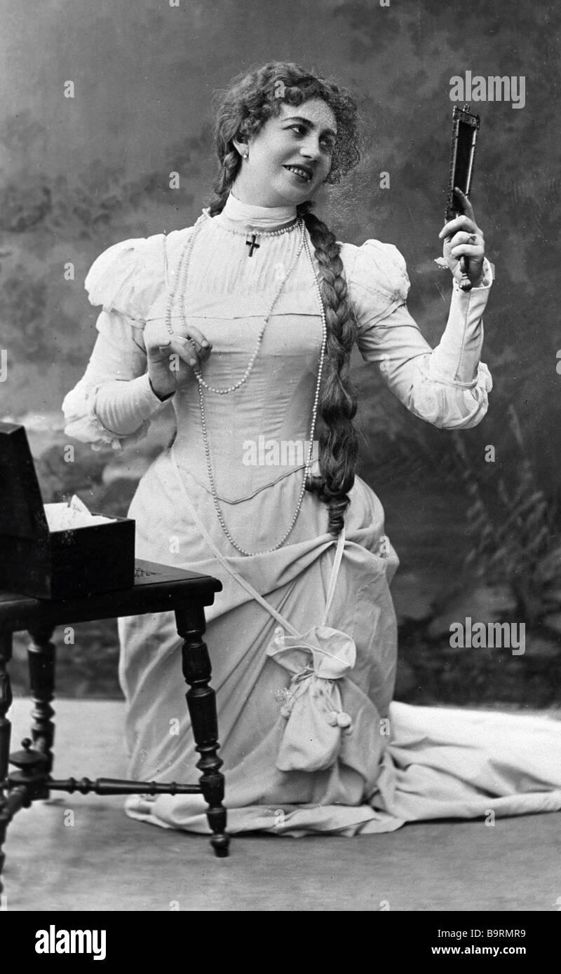 Singer Antonina Nezhdanova singing the part of Margarita in Guno s opera Faust staged at the Bolshoi Theater Photo - Stock Image