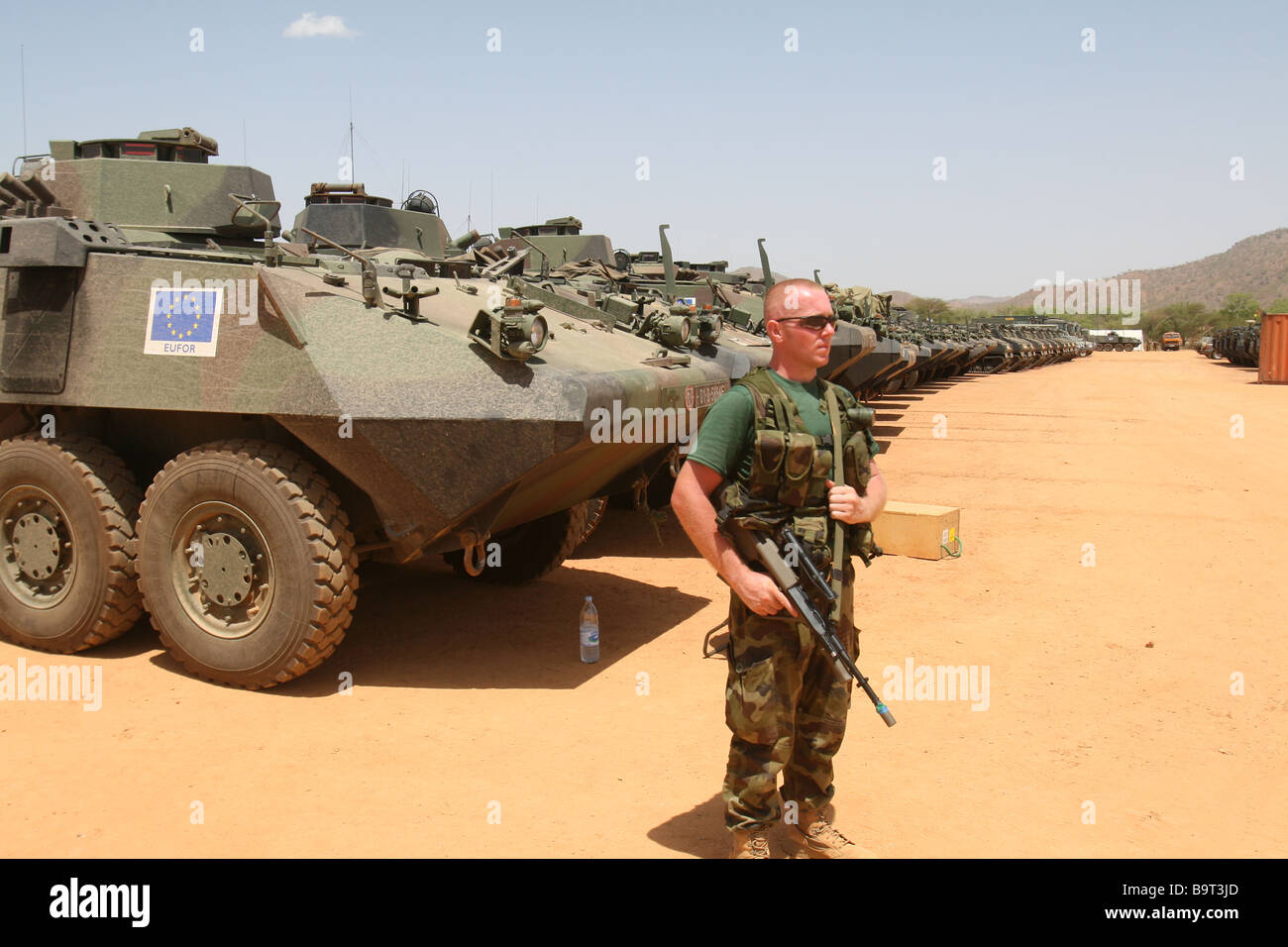 Irish Army soldier on duty in Chad, Africa as part of the EUFOR mission to protest refugees from neighboring Darfur - Stock Image