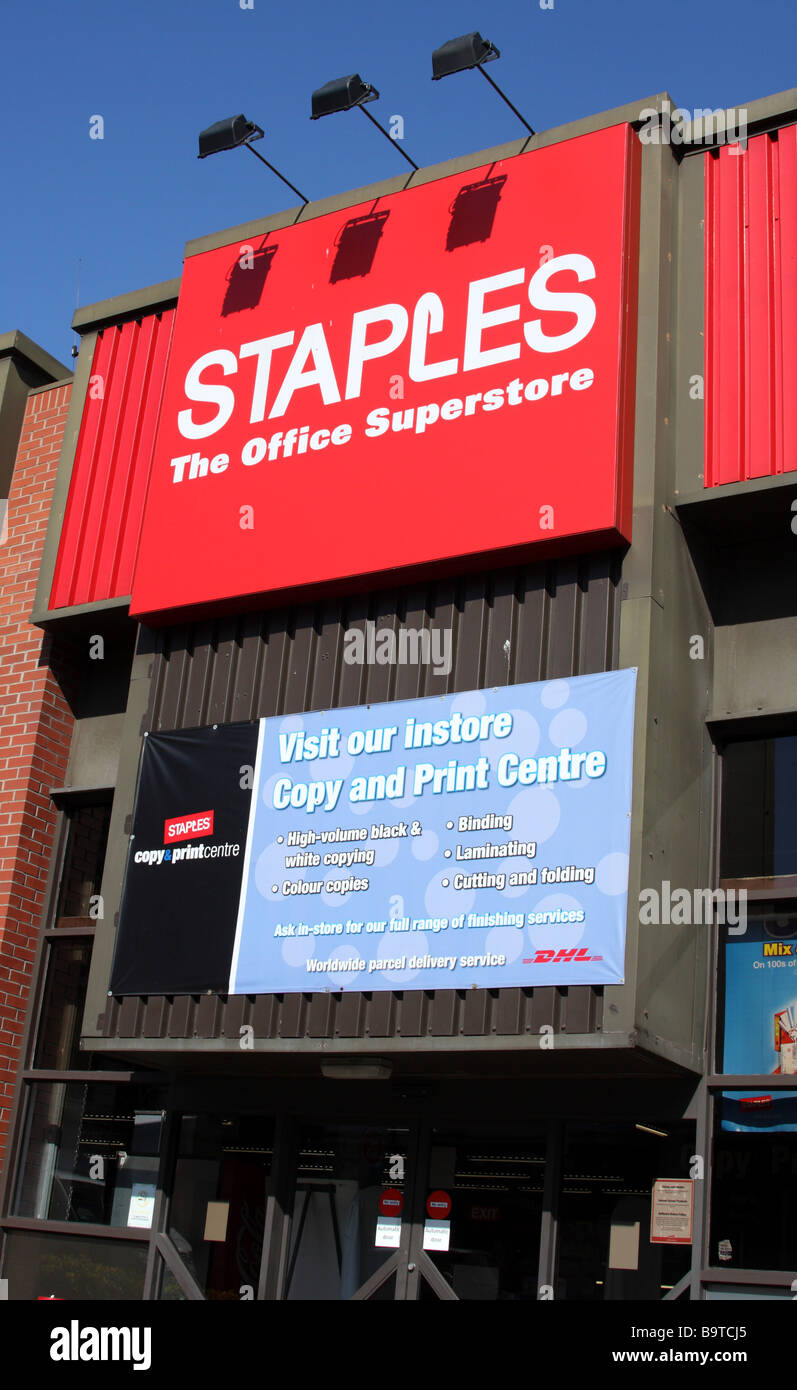 Staples Office Supplies, retail outlet in a U.K. city. - Stock Image