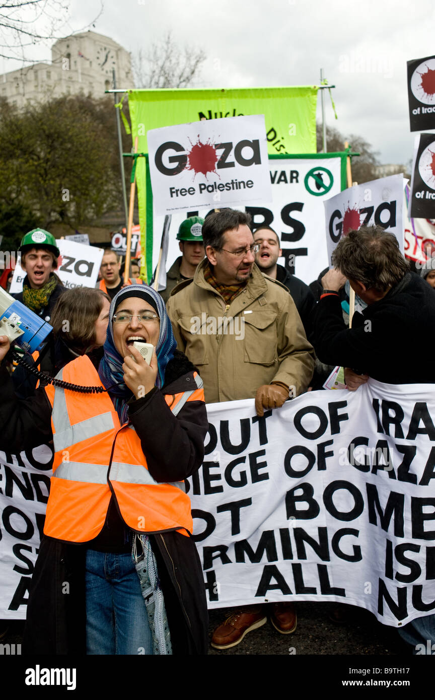 Free Gaza protesters at a peace demonstration. - Stock Image