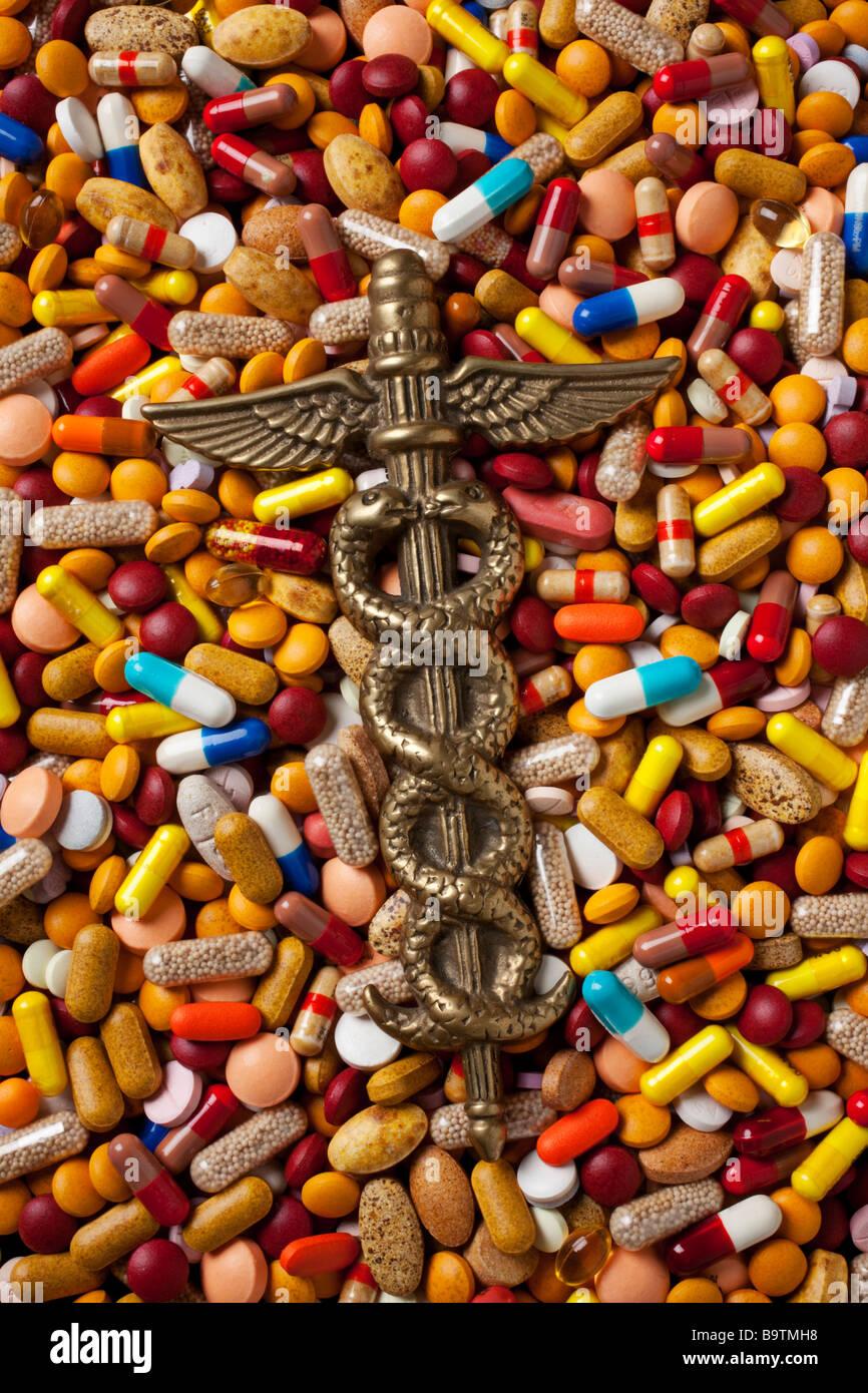 Caduceus medical field emblem - Stock Image