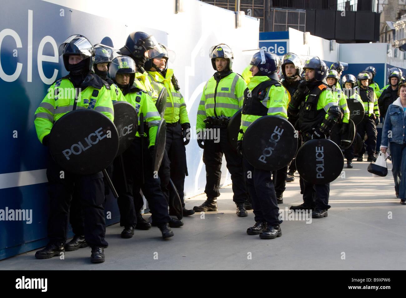 Riot Police at G20 summit protests Bishopsgate City of London UK - Stock Image