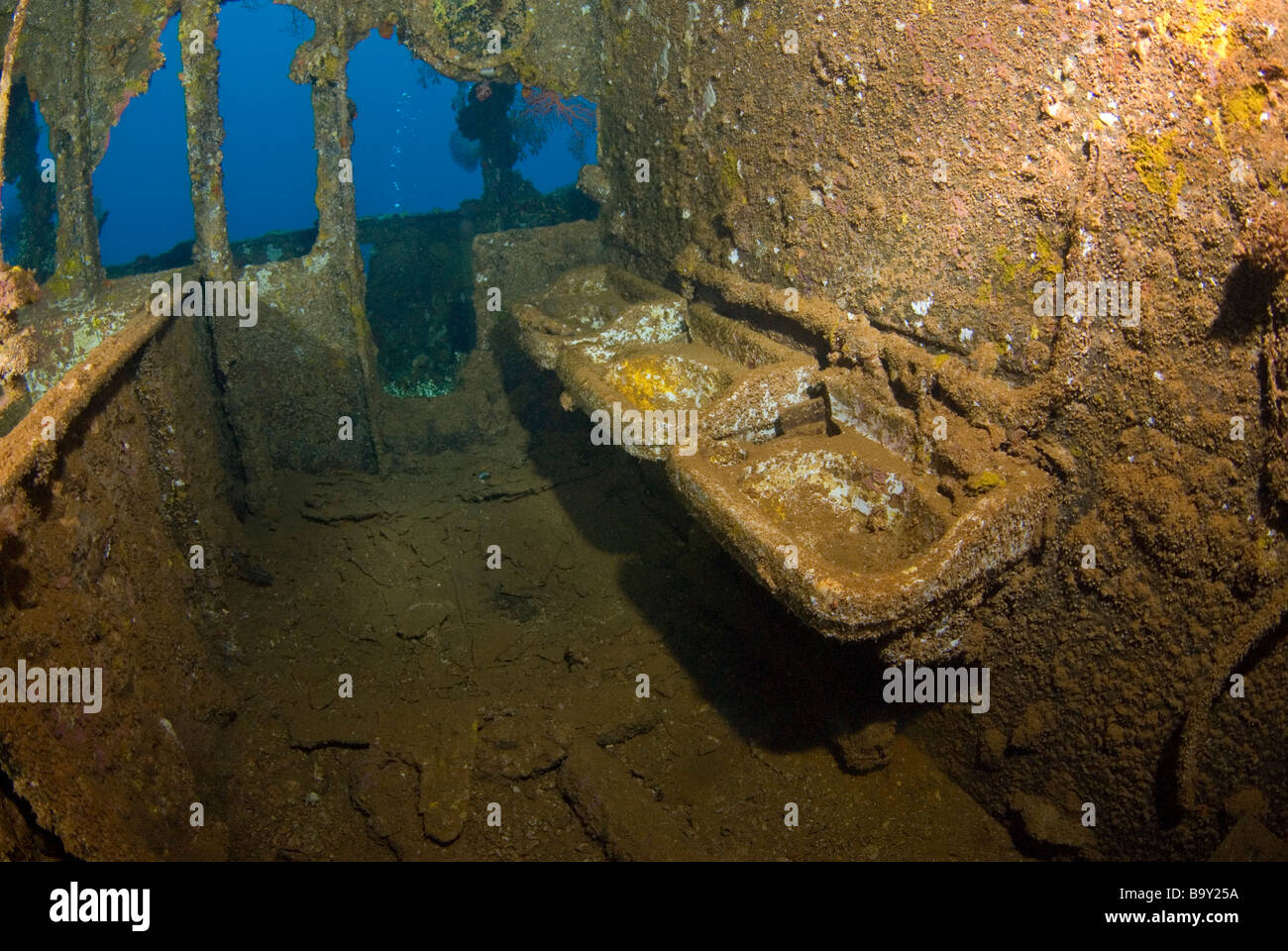 Sinks in the Fujikawa Maru wreck of Truk Lagoon Micronesia - Stock Image
