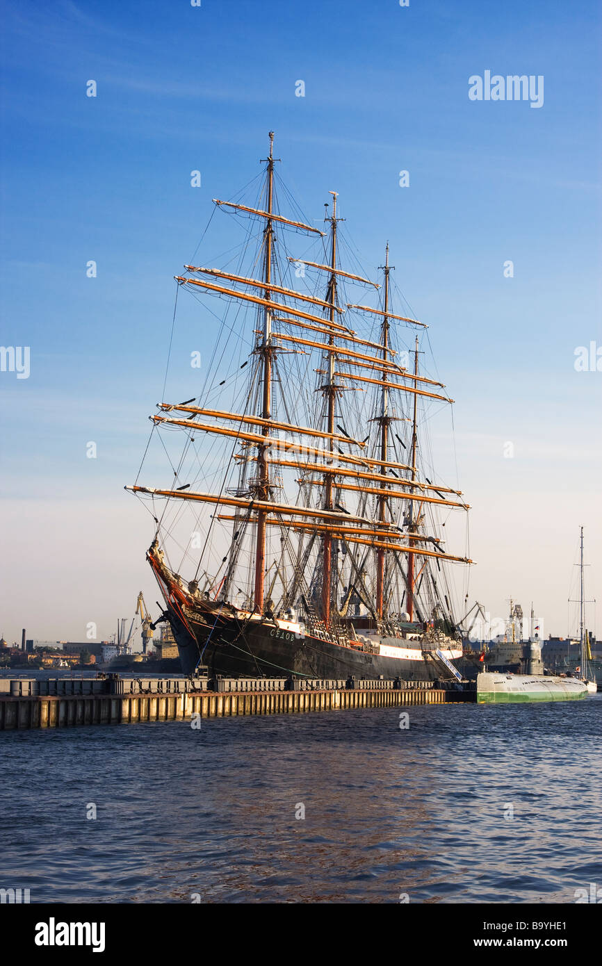 4 masted steel barque Sedov (the largest traditional sailing ship in operation, 1921) on a mooring in St. Petersburg - Stock Image