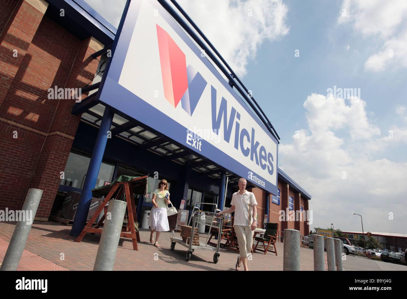Wickes store, Albion Mills Retail Park, Wakefield - Stock Image