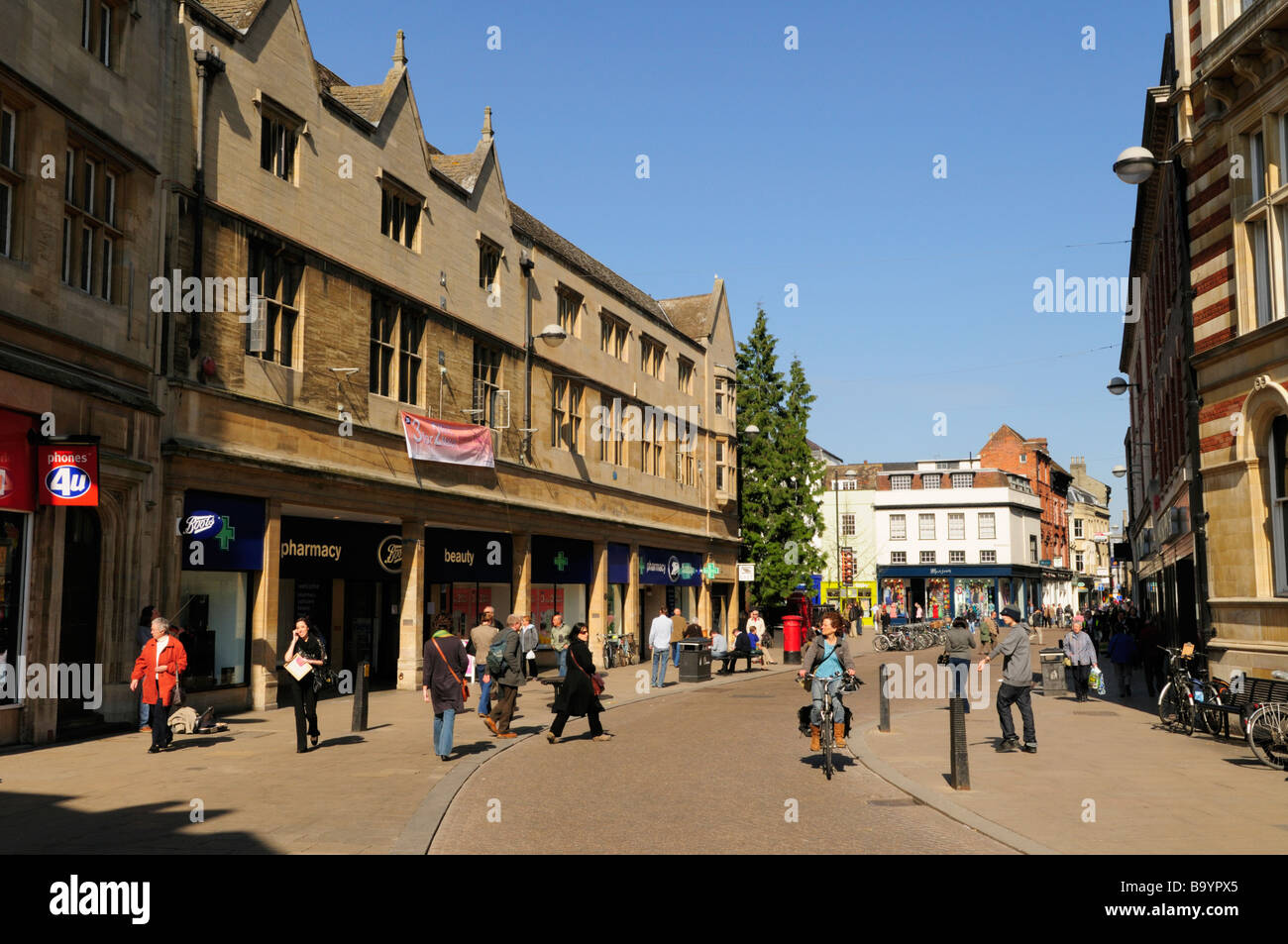 Street Scene in Sidney Street in the City Centre, Cambridge England Uk - Stock Image