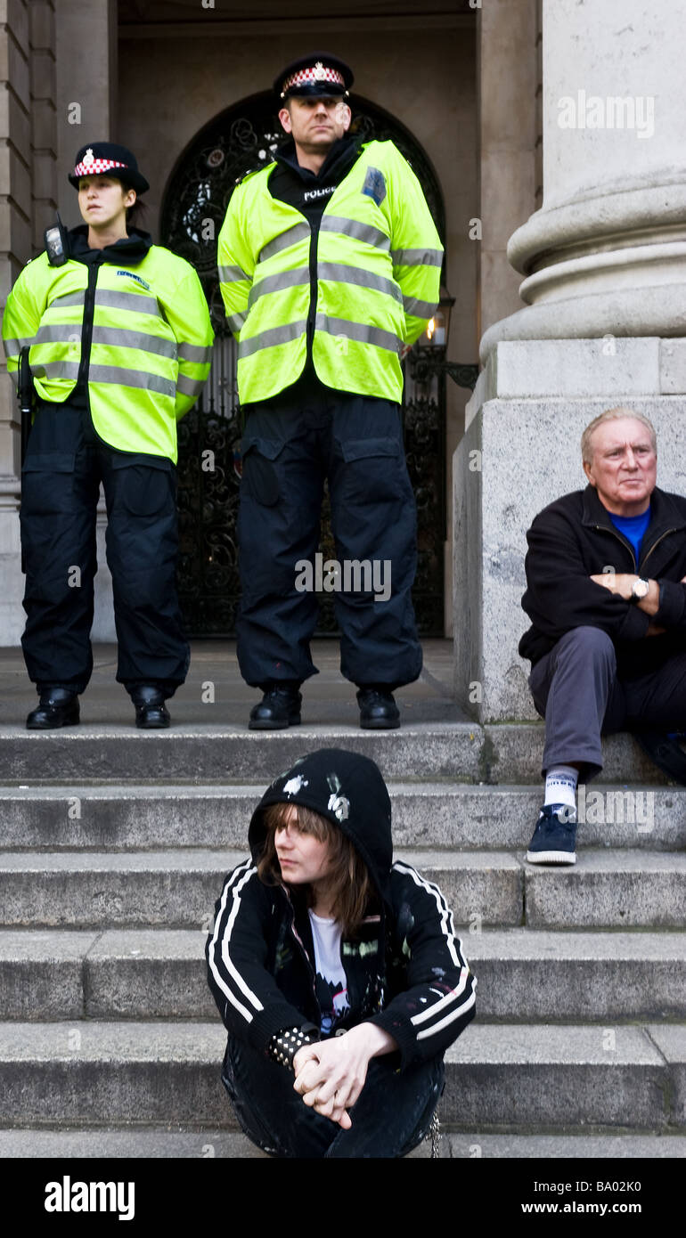 Metropolitan Police at the G20 demonstration in the City of London. - Stock Image