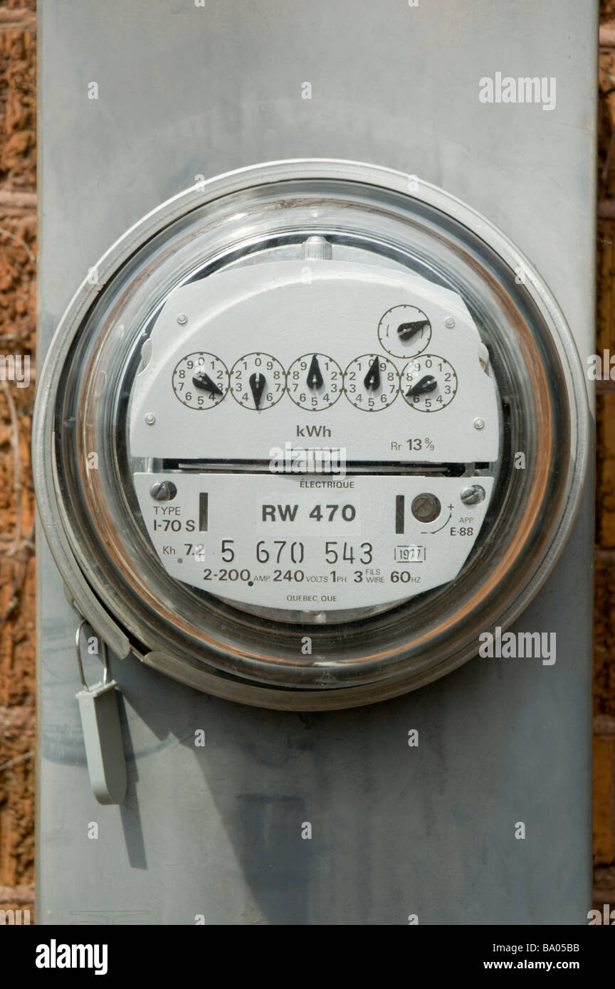 Hydro meter outside a house - Stock Image