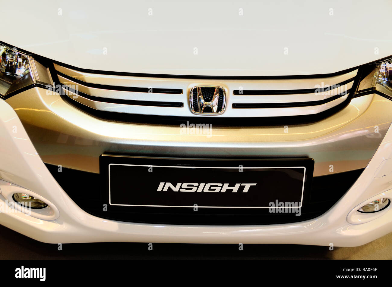Shopping Honda Car Company Trade Show Insight Hybrid Detail Close Up Logo